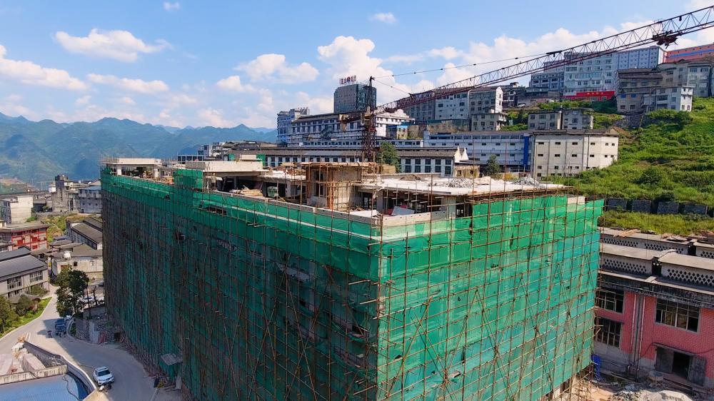 15000平的综合大楼主体竣工,生态酒厂的建设迈出扎实一步!